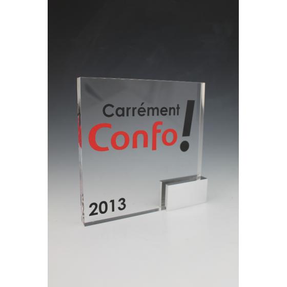 Trophée plexiglass carré base alu conforama
