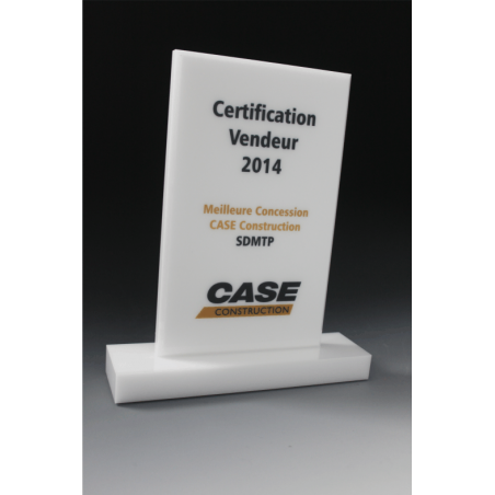 trophée en plexiglass blanc CASE CNH  par tryje