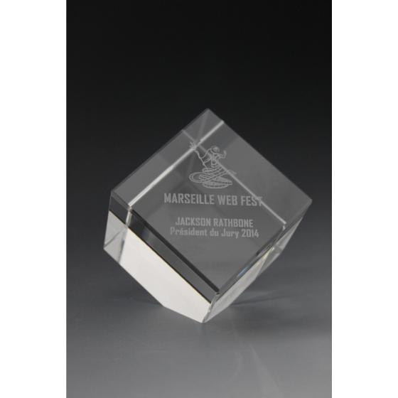 trophée cube en verre MARSEILLE WEB FEST 2014 tryje